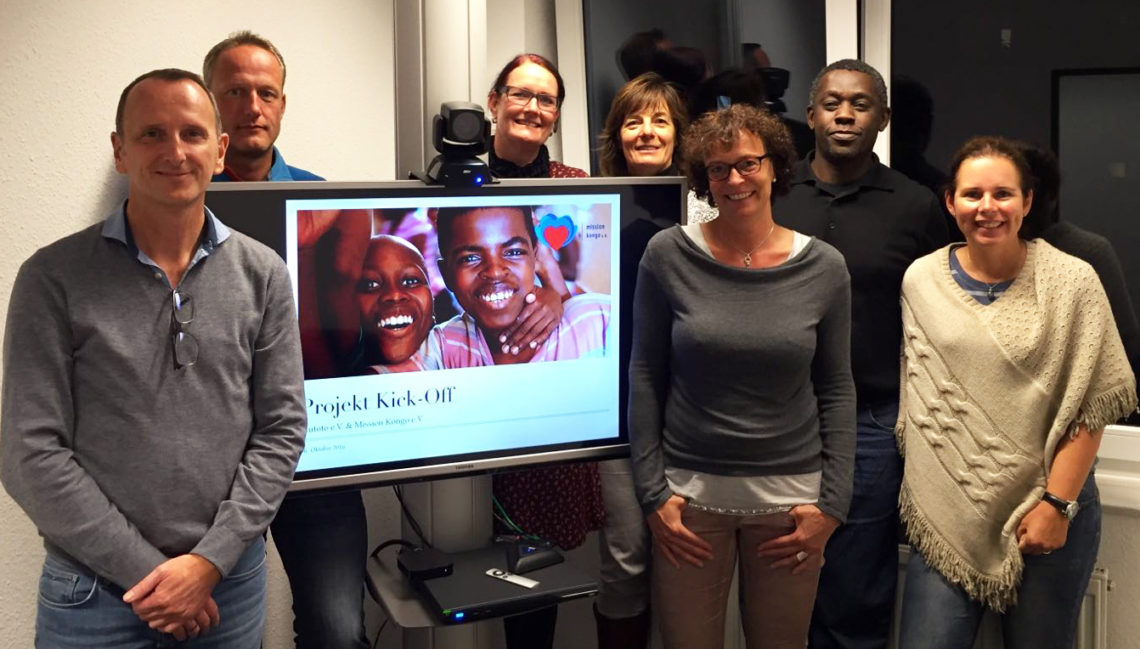 Kickoff für ein gemeinsames Projekt im Kongo (v. li.): Jürgen Daldrup, Rainer Stümpel, Anja Hülsing, Gunda Klöpping, Martina Faber, Richard Nawezi, Veronika Behrendt und Martin Hümmeke (nicht im Bild).