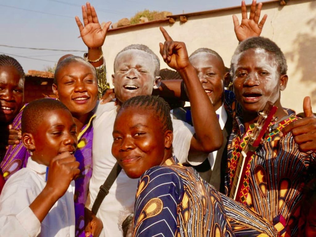 Abitur geschafft im Mutoto Village