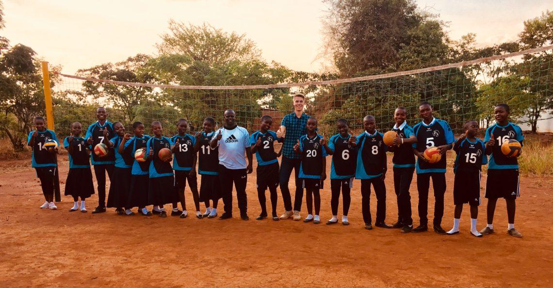 Volleyball im Mutoto Village